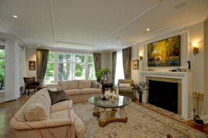 03-2 89 Glebe avenue living room